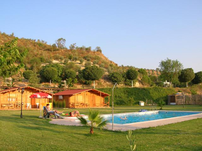 casa-rural-de-madera-bungalows-rafting-camping-ocio-aventura-cerro-gordo