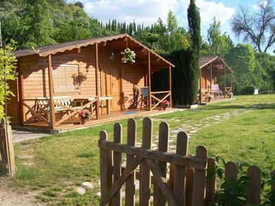 casas-de-madera-camping-rafting-benameji-cuevas-bajas-ocio-aventura-cerro-gordo