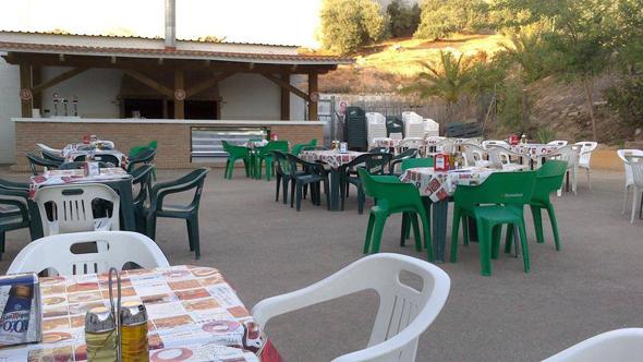 hotel-alojamiento-con-barbacoa-y-rafting-actividades-malaga-andalucia