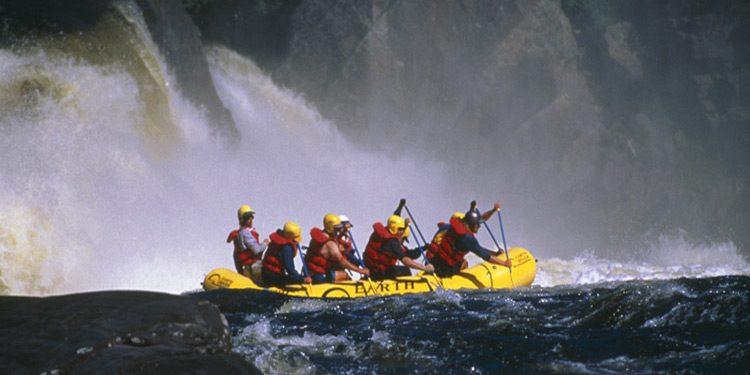 rio-magpie-canada-america-river-rafting