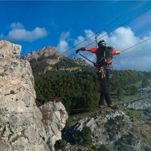 Descubre la Andalucía más aventurera a través de 7 vías ferratas imprescindibles